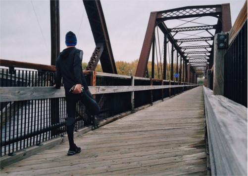 ¿Por qué es importante calentar antes de correr?
