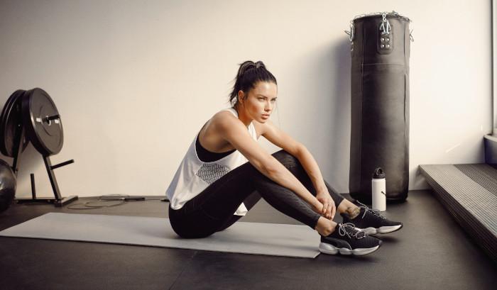 La modelo Adriana Lima en modo deportivo XT