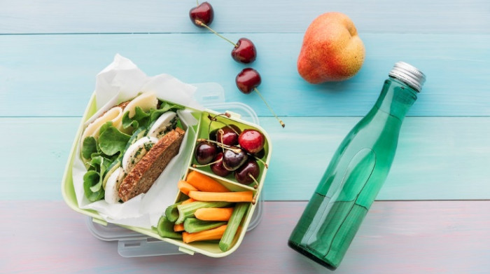 El 33% de los mexicanos prefieren comer fruta al mediodía