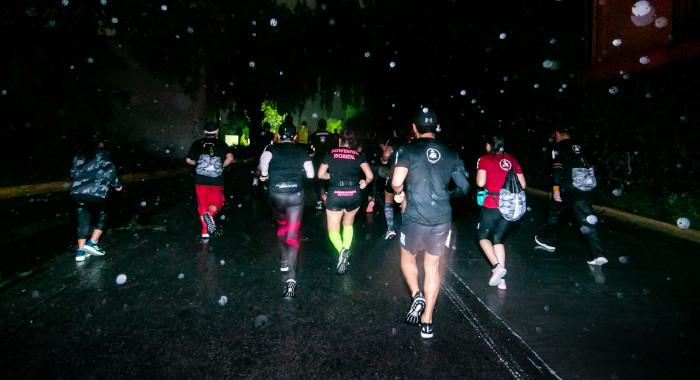 3,000 corredores demostraron su grandeza en la adidas Boost Night