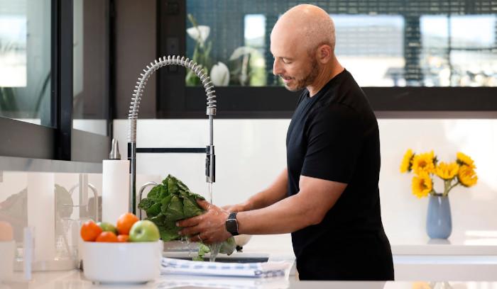 Fáciles, pero inteligentes maneras de mantenerte saludable e hidratado