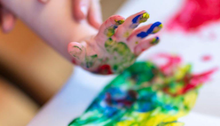 Crayola: ¿Qué pinturas son las adecuadas para la edad de mi hijo?