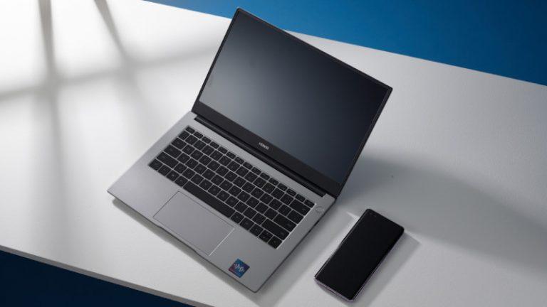 Así de fácil es llevar el home office al siguiente nivel con HONOR e Intel