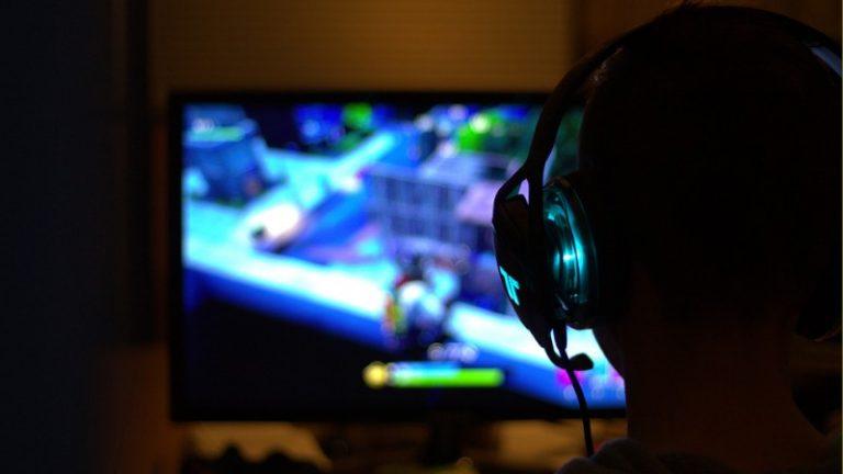 Si eres gamer considera algunos tips para el cuidado de tus ojos