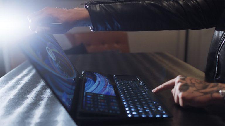 Regresa a clases con la laptop adecuada: ASUS