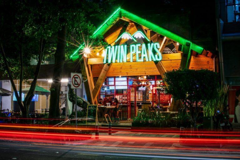 Twin Peaks extiende la mejor cabaña de México por toda la CDMX