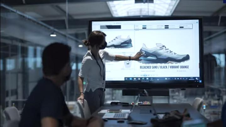 Salomon anuncia la apertura de la primera fábrica automatizada de calzado deportivo Advanced Show Factory 4.0