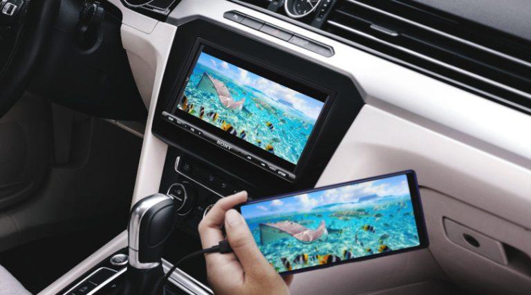 Sony presenta la nueva pantalla XAV-AX3200 para disfrutar más funciones de tu smartphone en el auto